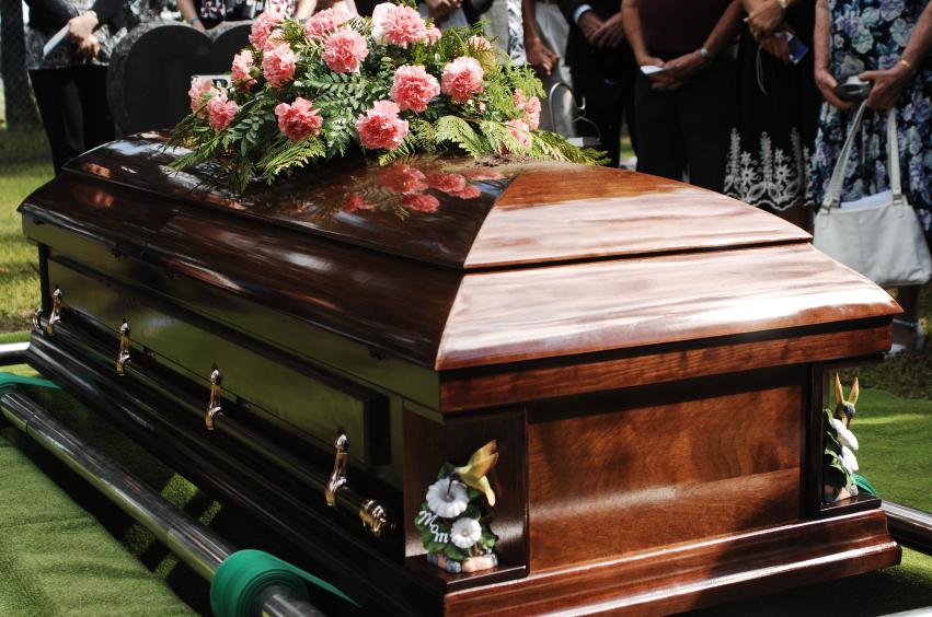 ¿Gana 15 mil pesos al mes? Su funeral cuesta más