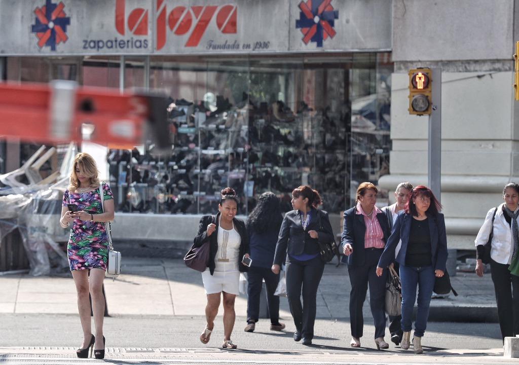 Ganan las mujeres 34.2% menos que los hombres en México: estudio