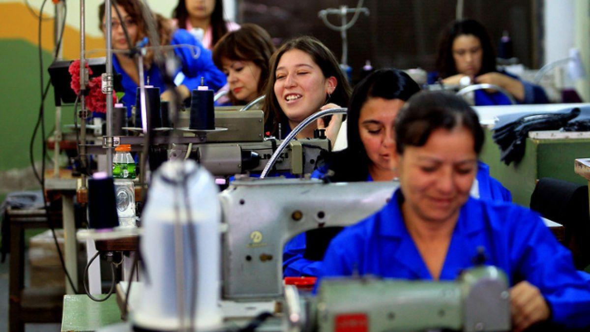 Garantizar derechos humanos y laborales de las mujeres