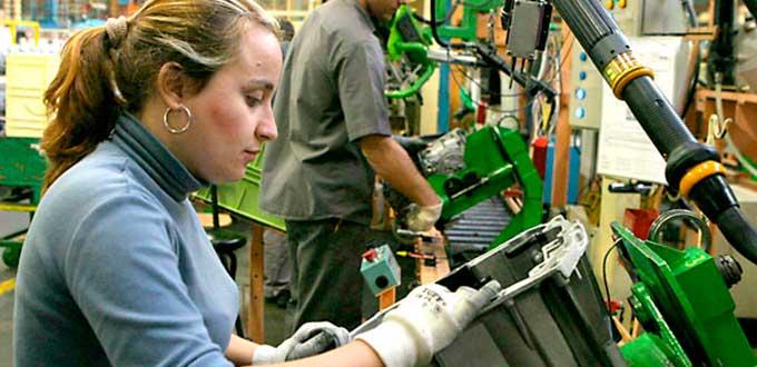 Generados 1.3 millones de empleos para mujeres en esta administración