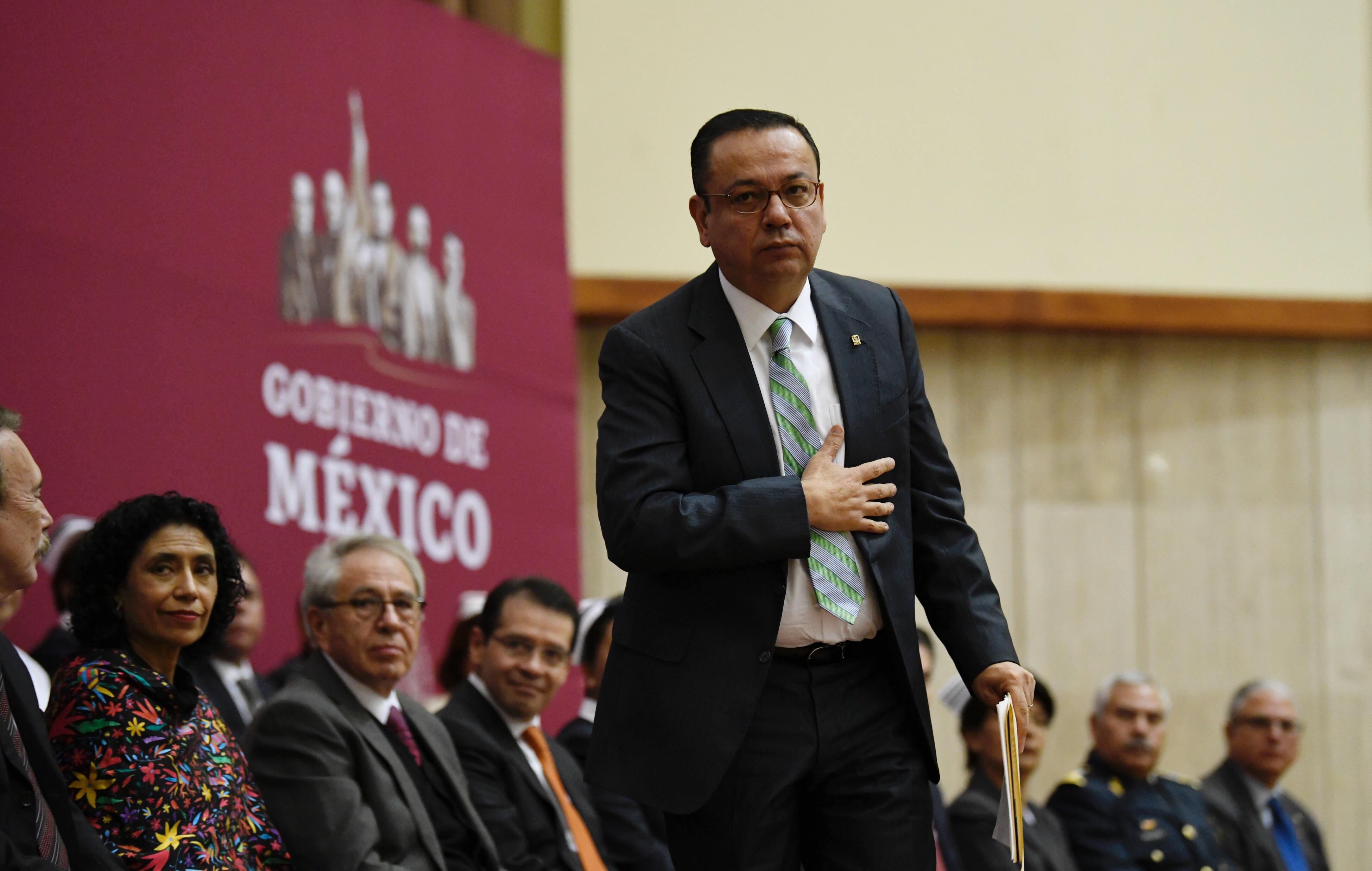 Germán Martínez renuncia a la dirección del IMSS
