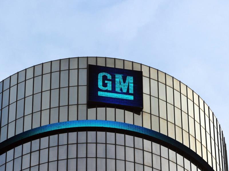 GM ofrece 18,000 retiros en EU, Canadá y México