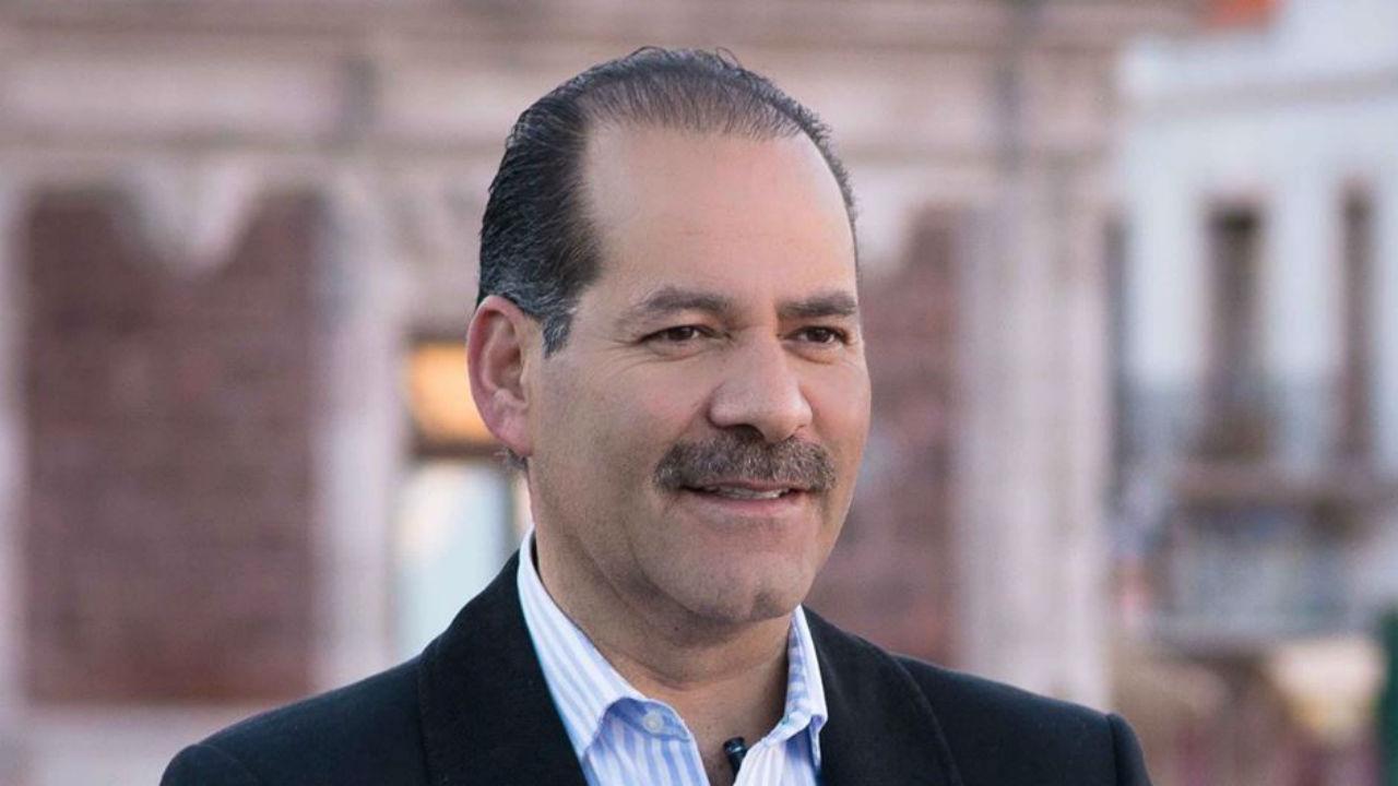 Gobernador de Aguascalientes se bajará el sueldo a 105 mil pesos