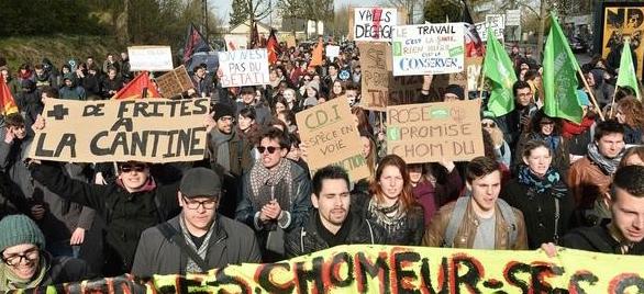 Impone Francia reforma laboral pese a protestas