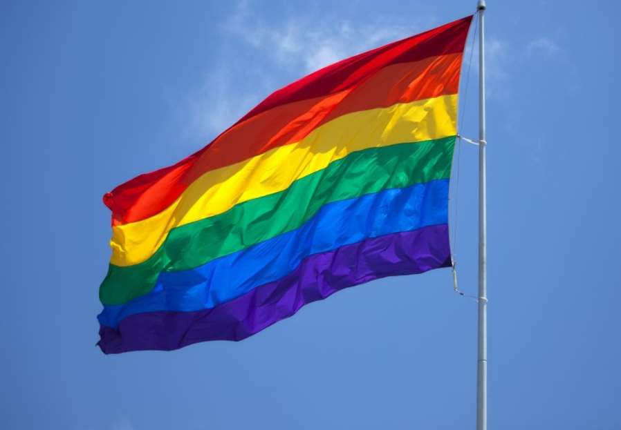 IMSS negó pensión por viudez a tres concubinarios homosexuales