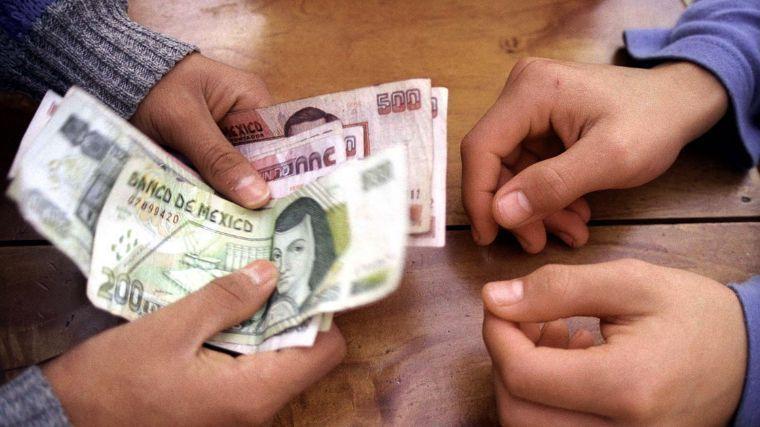 """Incremento de salarios contractuales serán a """"como se puede"""": STPS"""
