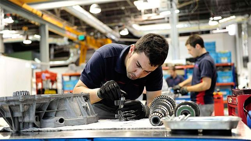 Industriales se dicen dispuestos a subir sueldos