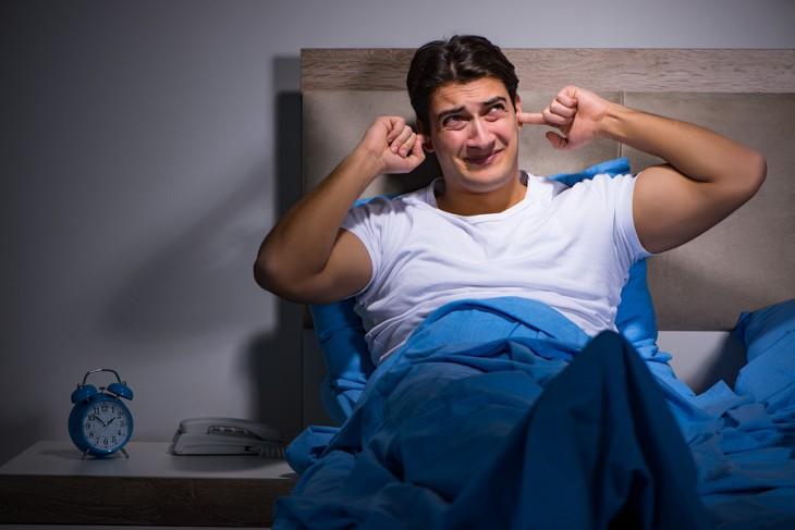 Infertilidad masculina podría relacionarse con habitaciones ruidosas