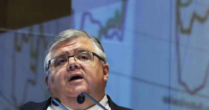 Informalidad, reto para el sistema de pensiones: Carstens