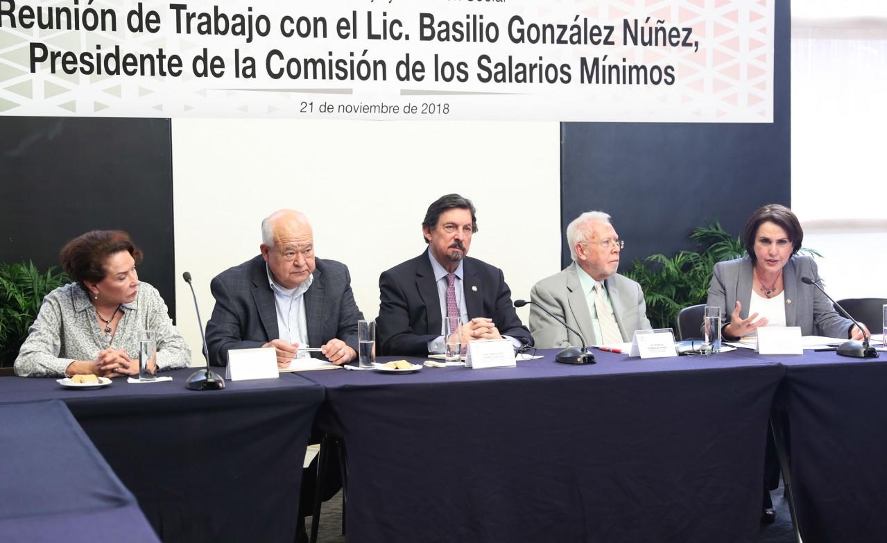 Insta Napoleón Gómez Urrutia a buscar alternativa a la Conasami