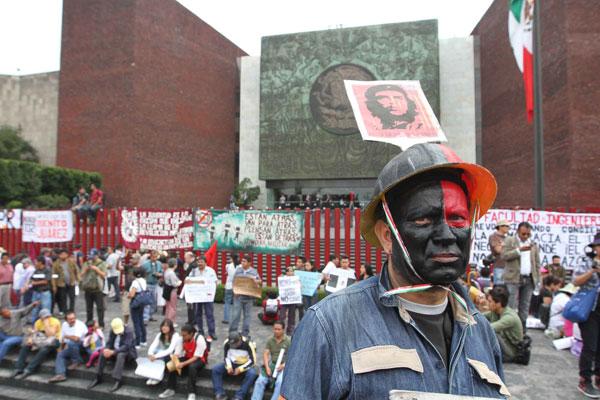 "Inversionistas miden ""aguas gremiales"" para traer capital"