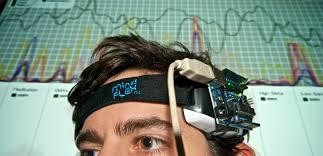 Investigan control robótico con ondas cerebrales