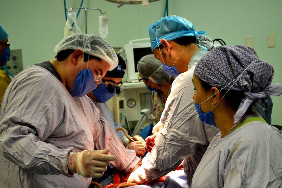 ISSSTE recibe a 665 médicos residentes para especialización