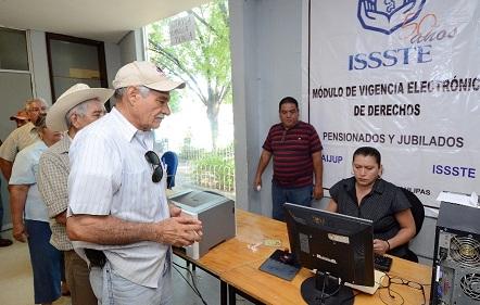 """Jala Senado las """"orejas"""" al ISSSTE"""