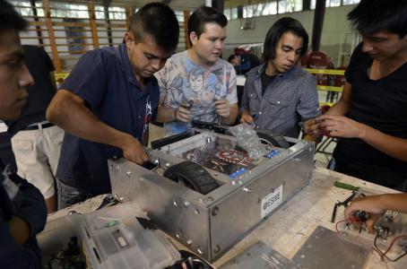 Joven mexicano más emprendedor que el europeo