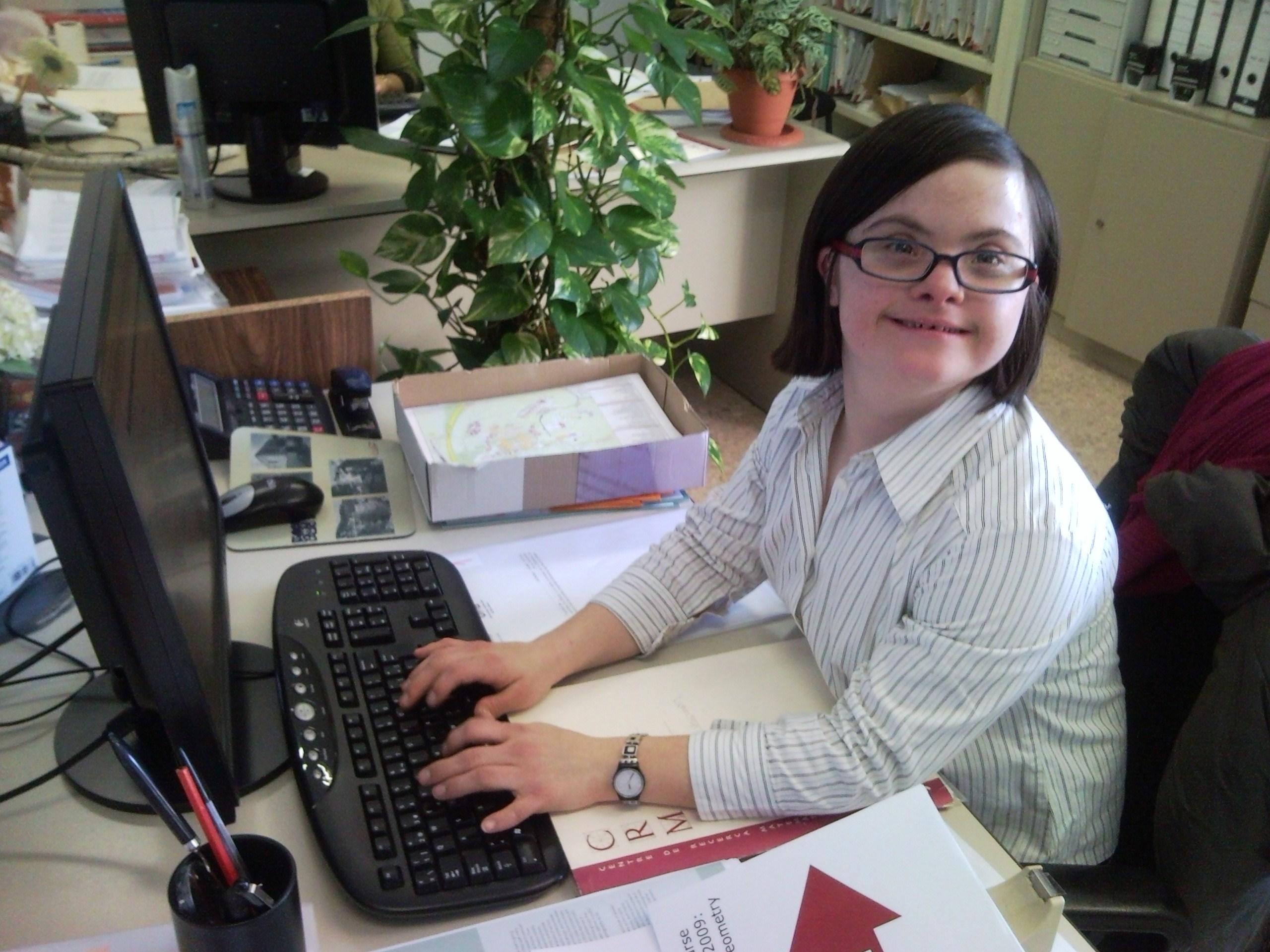 Jóvenes con discapacidad logran ser independientes y alcanzan su sueño laboral