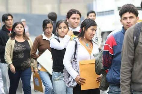 Jóvenes con empleo precario; otros ni eso...