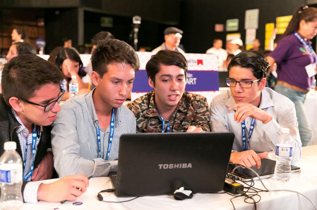 Jóvenes desean emprender más que laborar en empresas