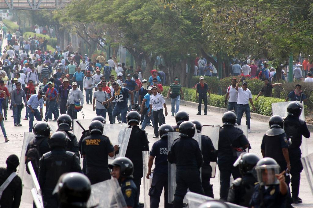 La CNTE y SNTE se enfrentan en Chiapas