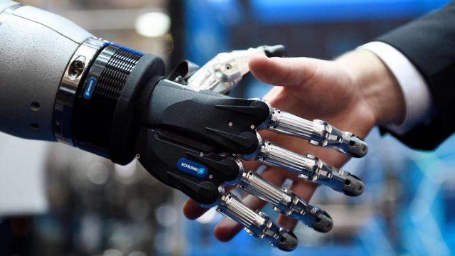 La cuarta revolución industrial facilitará el trabajo de reclutadores y empleadores