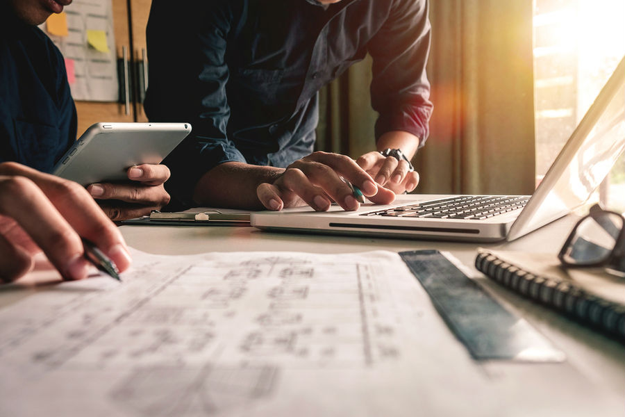 La subcontratación laboral debe permitirse, con estricto apego a la ley