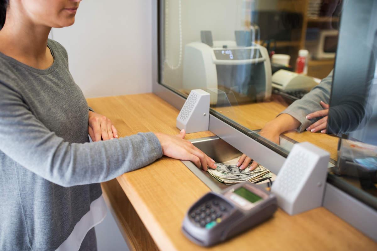 La tecnología causa una ola de despidos sin precedentes en la banca mexicana