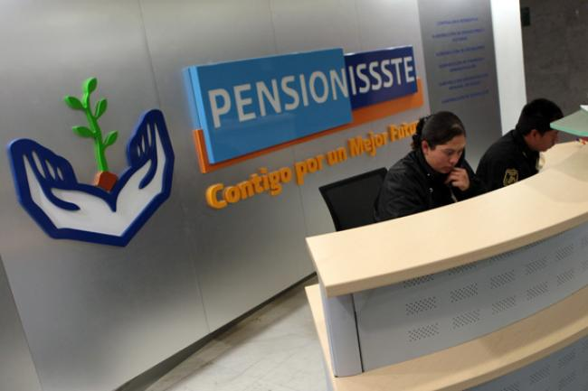 Lanza ISSSTE plan para renovar PENSIONISSSTE