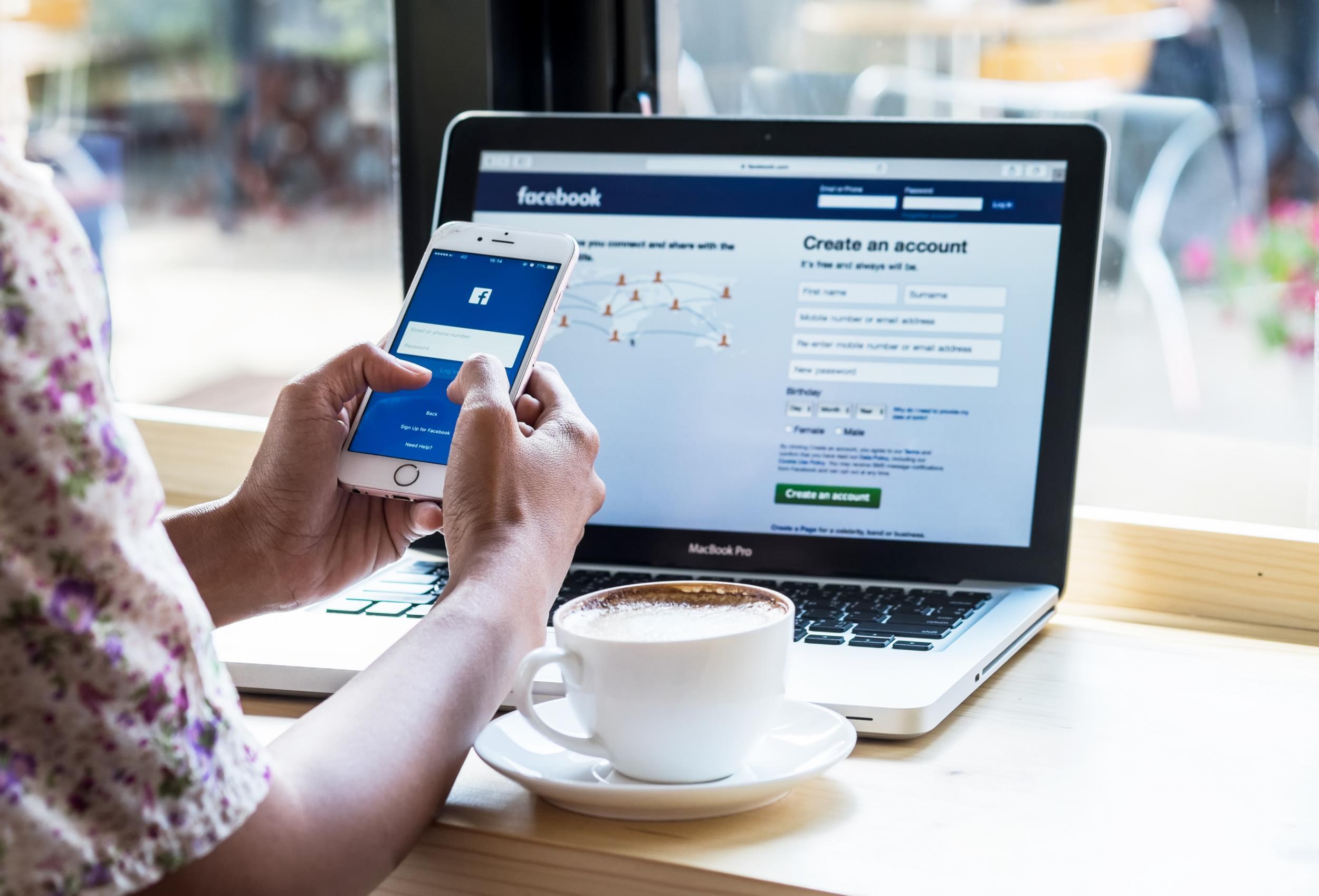 Legal revisión de redes sociales para conseguir empleo