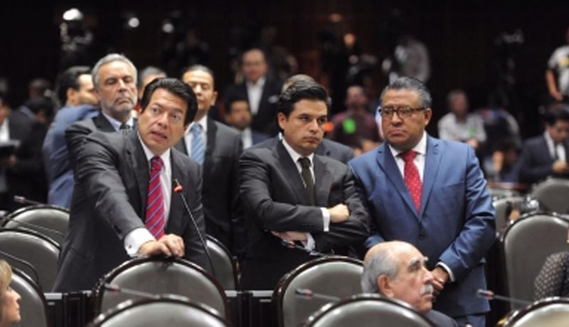 Legislativo reta a Poder Judicial