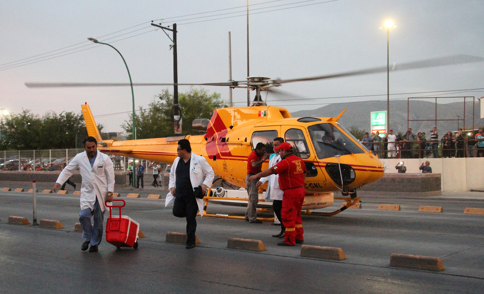 Llega corazón en helicóptero a NL para realizar trasplante