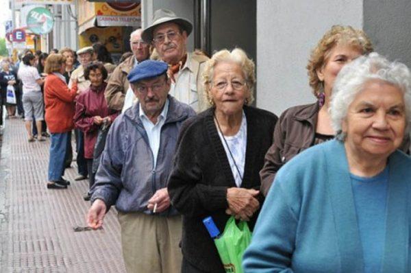 Llegar a la jubilación es difícil para los trabajadores en México