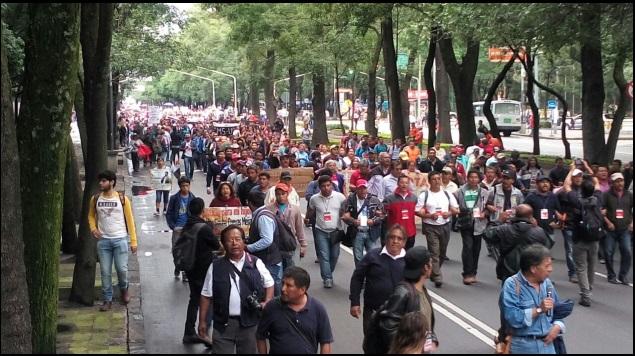 Marcha CNTE rumbo a Segob