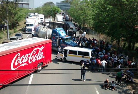 Marchas y bloqueos dejan sin empleo a 20 mil