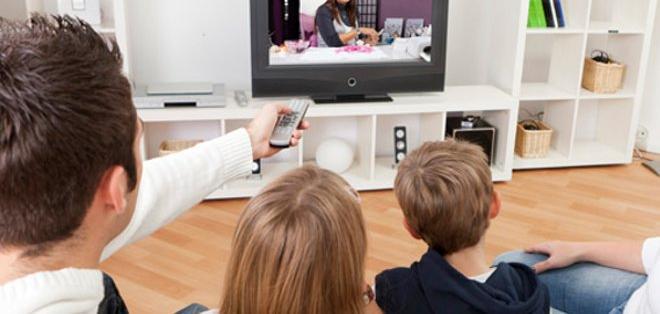 Más de 3 hrs. diarias en TV... mina la memoria