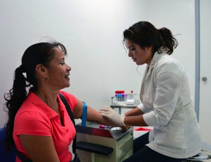 Más de dos mil reclusas reciben atención médica del IMSS