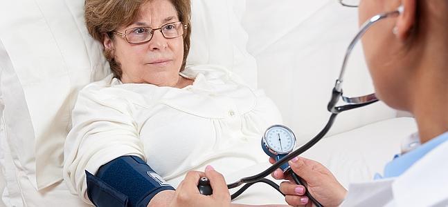 Más mujeres mueren por enfermedades del corazón