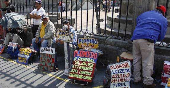 """Más pobreza por """"erosión salarial"""": CEPAL"""