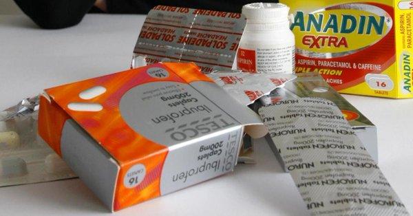 Médicos británicos prueban ibuprofeno en pacientes con Covid-19