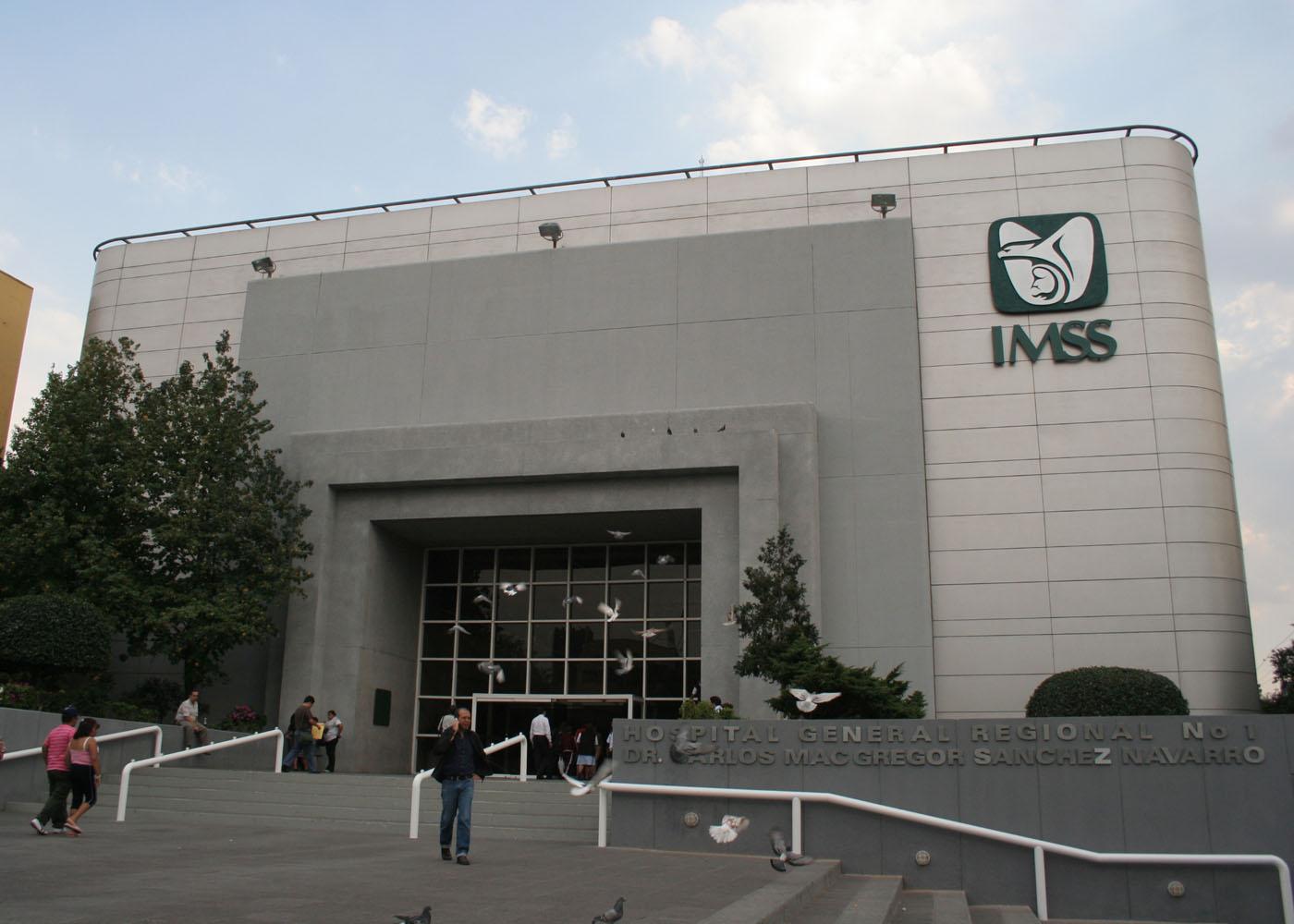 Médicos del IMSS practican dos trasplantes de corazón en un mismo día