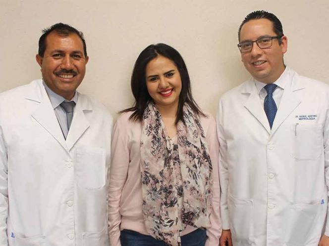 Médicos del IMSS trasplantan paratiroides y salvan a joven de 24 años