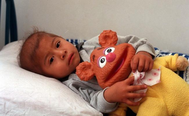 Médicos mexicanos estudian genes de niños para tratar leucemia