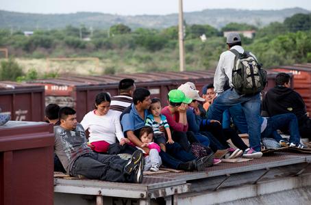 Mejora empleo de migrantes