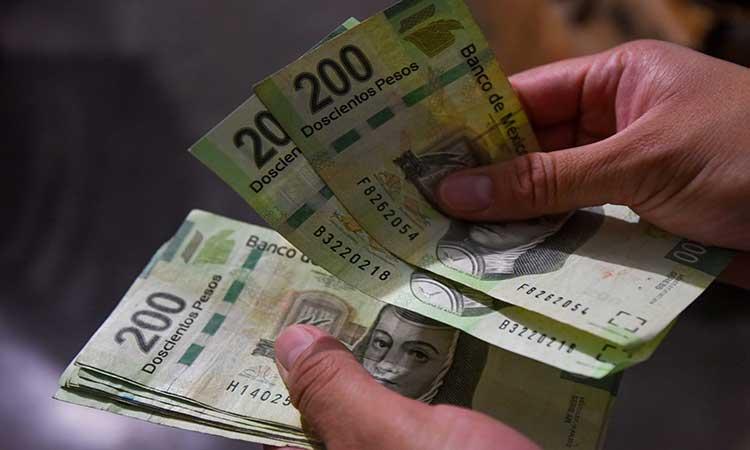 Mexicanos pagarán deudas con el aguinaldo