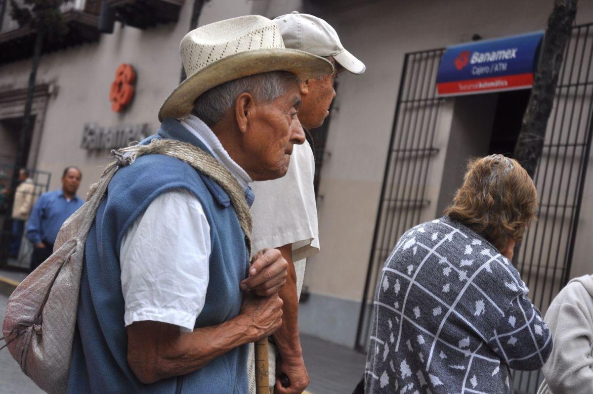 Mexicanos reciben pensiones de 600 pesos mensuales: Consar