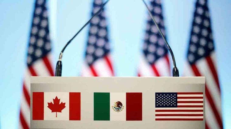 México, EU y Canadá amplían restricción de viajes no esenciales un mes más