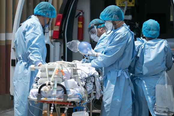 México llega a 385,036 contagios por Covid-19 y 43,374 decesos