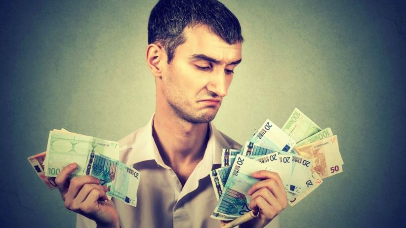 ¿Mezclas tu dinero con el de tu empresa? ¡No lo hagas más!