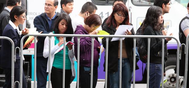Migrantes duplican solicitudes para seguro de desempleo en un mes