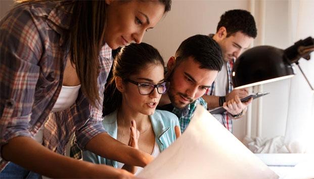 Millennials optan por ganar más que tener prestaciones