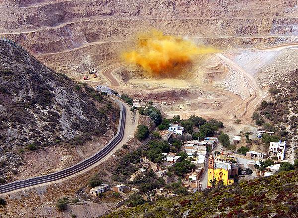 Minera San Javier echa a 200 trabajadores; faltan 140